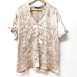 2/$15 ✨ Penningtons Crinkle Embroidered  Button Up